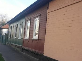 Продаётся часть дома с косметическим ремонтом в районе Электрона, Часть дома